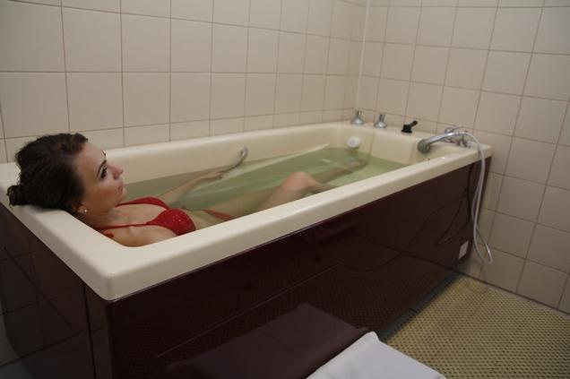 Ванны с экстракто Тонус С в парк-отеле Алтай Green в Белокурихе